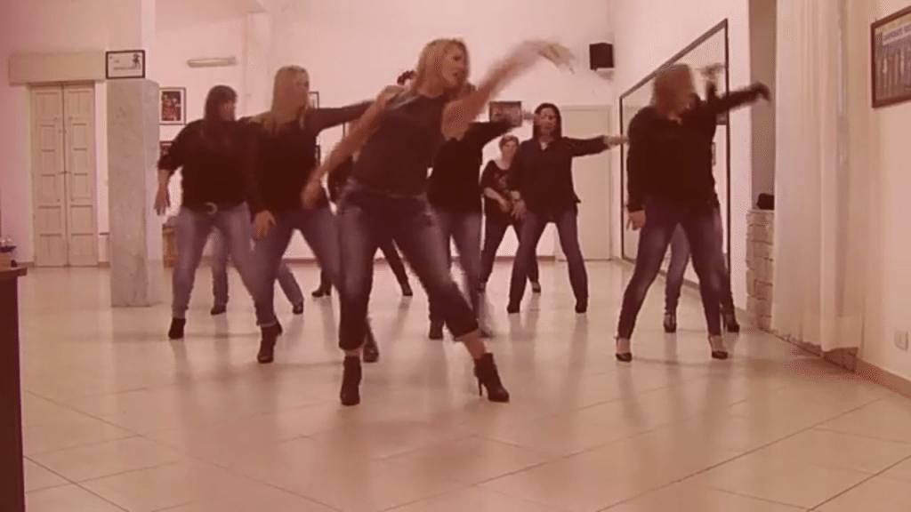 Balli di Gruppo - Angela Group Dance - Rockabye