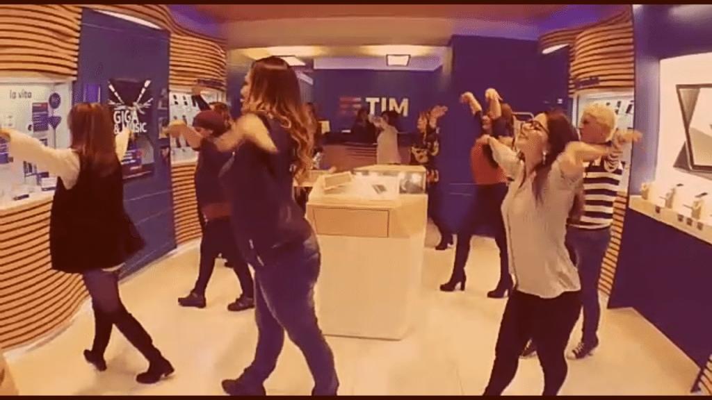 Balli di gruppo - Spot TIM - coreo scuola Vi.Va